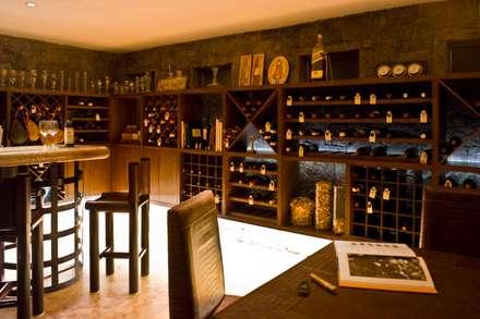 modern Wine cellar by Eduardo Gutiérrez Taller de Arquitectura