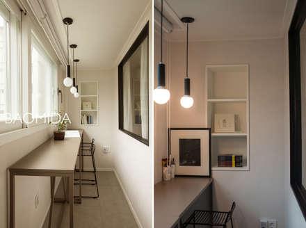 즐거운 우리의 집_서초현대아파트 인테리어: (주)바오미다의  베란다