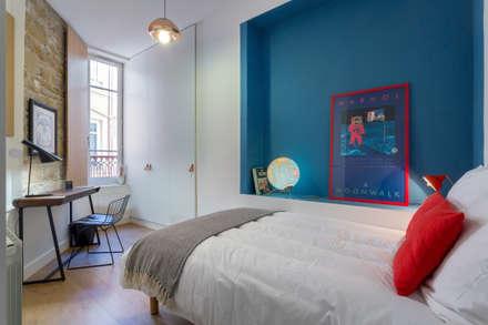Le Confort: Chambre d'adolescent de style  par Thomas Marquez Photographie
