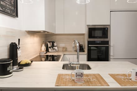 Nhà bếp by ESTUDIO MIGUELO