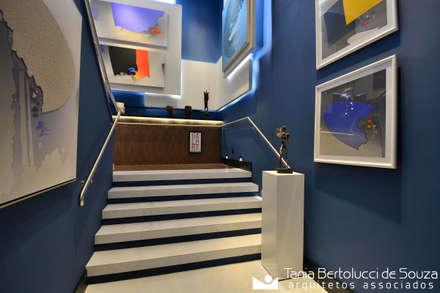 Stairs by Tania Bertolucci  de Souza  |  Arquitetos Associados
