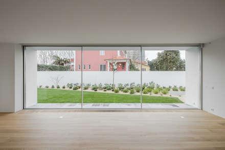 Sala de estar: Salas de estar modernas por NVE engenharias, S.A.