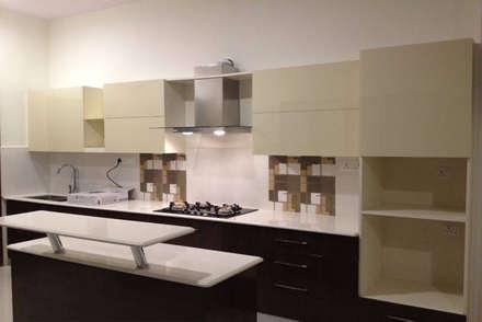 Moderne Küche Von GEOMETRIX INTERIORS