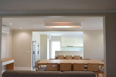 Residência A&A: Salas de jantar modernas por UNISSIMA Home Couture