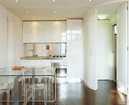 Appartamento 65 mq.: Cucinino in stile  di DELFINETTIDESIGN