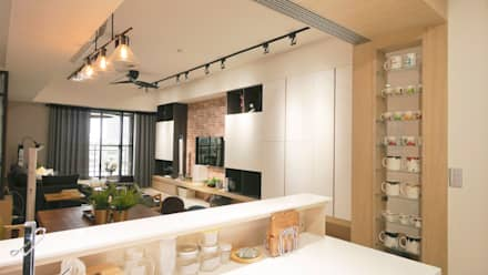 Kitchen units by 築本國際設計有限公司