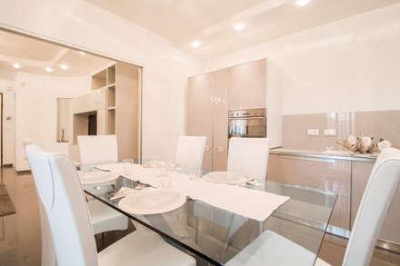 DIANA_Cucina: Cucina in stile in stile Classico di ErreBi Home