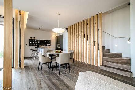 modern Dining room by 단감 건축사사무소