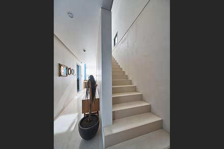 Stairs by 단감 건축사사무소