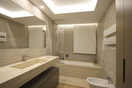 Bagno moderno idee ispirazioni homify for Casa moderna bagni