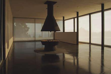 Casa Pati O: Livings de estilo mediterraneo por 2712 / asociados