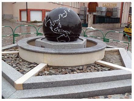 Kugelbrunnen mit Schwimmender Kugel:  Einkaufscenter von Manufaktur von Doberstein