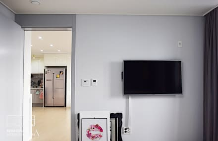 moderner Multimedia-Raum von 리인홈인테리어디자인스튜디오