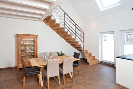 Seitenansicht:  Treppe von Niederlöhner Treppenbau