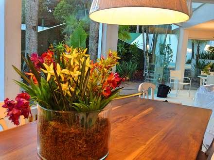 Casa campo Margarete : Salas de jantar campestres por STUDIO AGUIAR E  DINIS