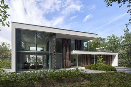 N-House in Dorst bij Breda.: moderne Huizen door Lab32 architecten