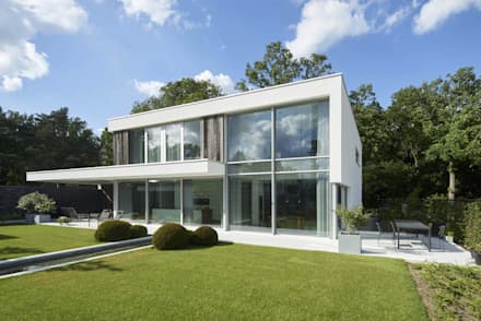 N-House in Dorst bij Breda.:  Villa door Lab32 architecten