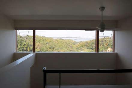 Wooden windows by ニュートラル建築設計事務所