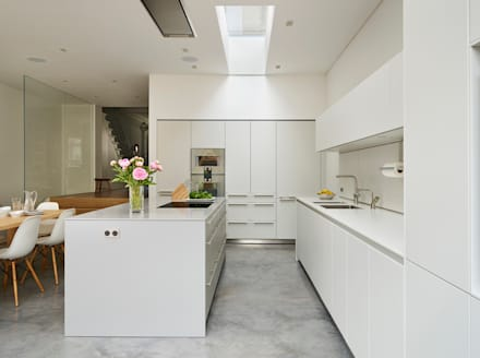 Contemporary Living: Modern Kitchen By Kitchen Architecture