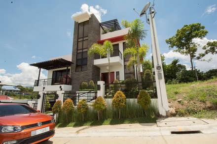 Tagaytay Southridge Estates: modern Houses by TG Designing Corner