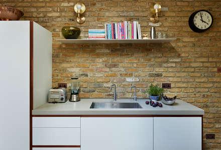 Modern meets Industrial: industrial Kitchen by Kitchen Architecture