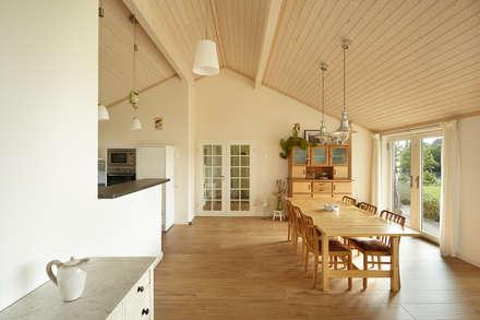 Interior Fotografie: Skandinavisches Wohnen: Skandinavische Esszimmer Von  Oliver Kuty Photography