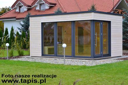 ARIES - nowoczesny domek ogrodowy: styl , w kategorii Ogród zaprojektowany przez TAPIS.PL