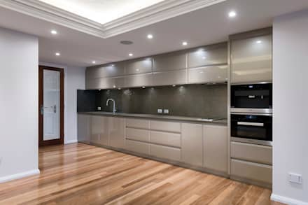 Built-in kitchens by Moda Interiors