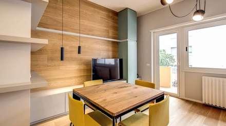 RIZZO: Pavimento in stile  di MOB ARCHITECTS