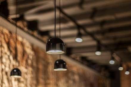 Luxiform Iluminación의  바 & 카페