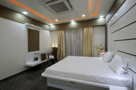 Residence -  Mr. Mane, Pune.: modern Bedroom by Spaceefixs
