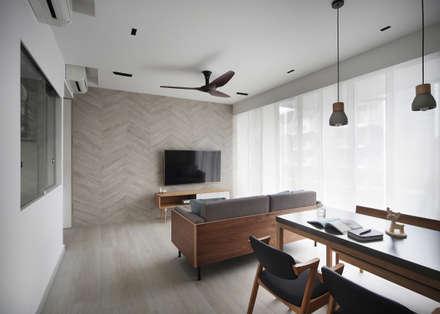 LA FIESTA: scandinavian Living room by Eightytwo Pte Ltd