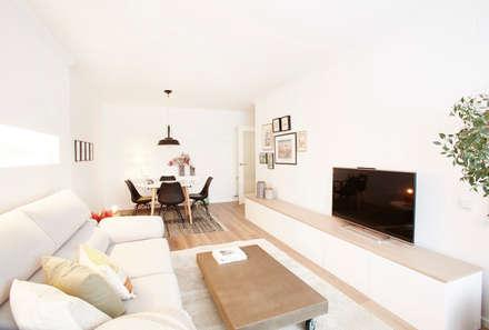Sala de estar - Comedor: Salones de estilo escandinavo de Laia Ubia Studio