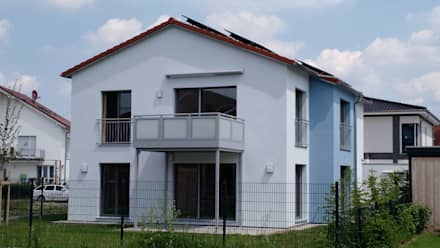 Energieautarkes 2-Familienhaus - heute schon an morgen gedacht:  Passivhaus von wir leben haus