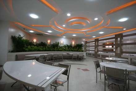 Sandvik Asia Club, Pune.: modern Dining room by Spaceefixs