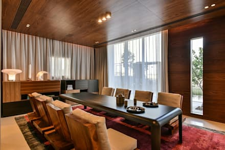 Premium Villa : minimalistic Dining room by Racheta Interiors Pvt Limited