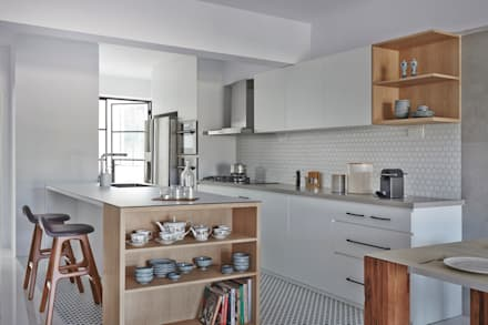 Kitchen units by Eightytwo Pte Ltd