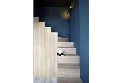 ECOSANCTUARY:  Corridor, hallway by Eightytwo Pte Ltd