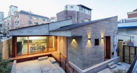 asiatische Häuser von 주식회사 착한공간연구소