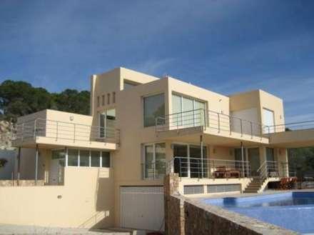 Modern villa with frontal sea view in Ibiza:  Villas by FHS Casas Prefabricadas