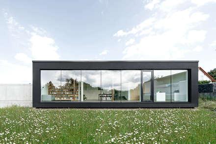 wohnhaus s:  Einfamilienhaus von sebastian kolm architekturfotografie