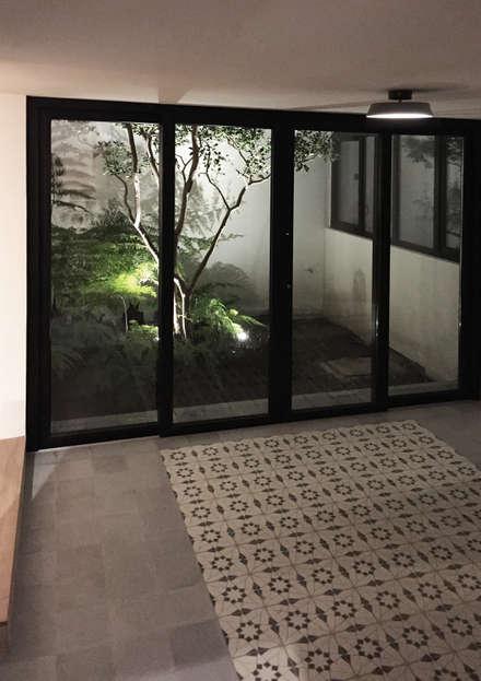Pisos de estilo  por AWA arquitectos