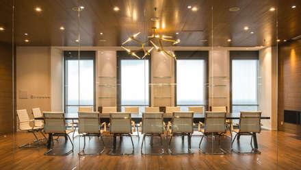 Workspace design for SSG:  Tòa nhà văn phòng by ADP Architects