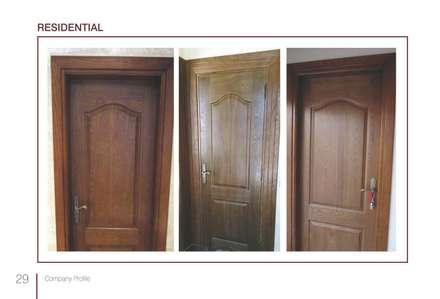 Puertas de madera de estilo  de Tebmar
