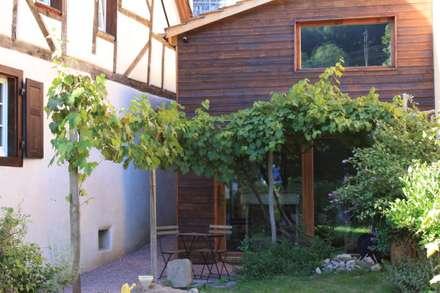 Haus in Inzlingen: rustikale Arbeitszimmer von | Heemann | Architektur |