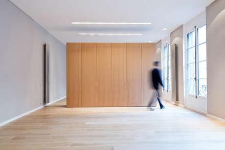 Sèvres: Salon de style de style Minimaliste par Lab123