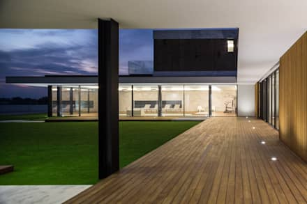 Lantai by Risco Singular - Arquitectura Lda
