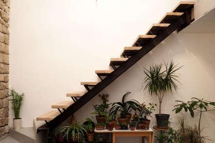 Escalier en Matériaux de Récupération: Escalier de style  par Artiste Sculpteur, Designer et Artisan d'Art