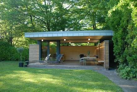 Gartenhaus: moderner Garten von STEGGEMANN ARCHITEKTEN