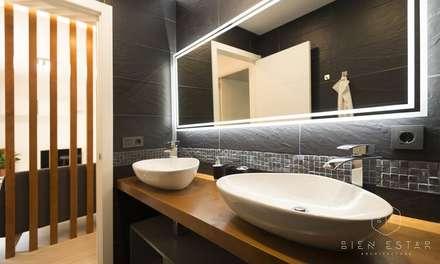 Bano: Baños de estilo escandinavo de Bien Estar Architecture